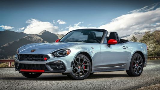 The 2019Fiat 124 Spider Abarth Finally Sounds as God Intended