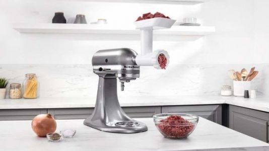 Turn Your KitchenAid Into a Meat Grinder For $25, and Experience Burger Bliss
