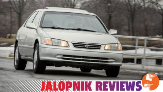 This Near-Mint 20-Year-Old Toyota Camry Is One Of The Best Cars I've Ever Bought