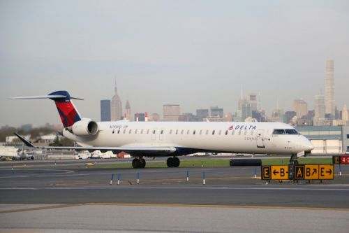 Delta Connection exceeds last year's total cancel-free days