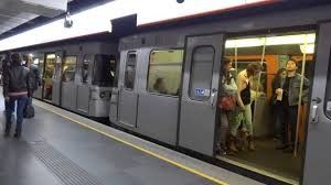 Austrian Metro Distributes Deos to Combat Heat Wave
