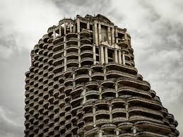 The 'Ghost Tower' in Bangkok attracting thousands of strange tourism lovers