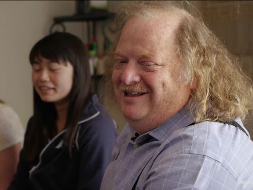 Legendary restaurant critic Jonathan Gold dies from cancer