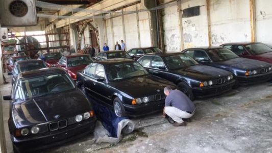11 Untouched 1994 BMW 5 Series Have Been Discovered in a Bulgarian Factory