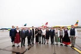 AirBaltic Honours the 30th Anniversary of Baltic Way with a Special Gift