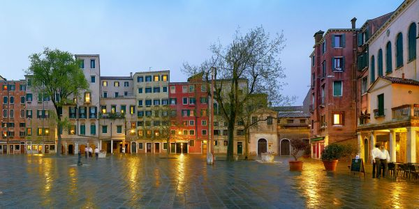 Explore the Oldest Jewish Ghetto in Venice