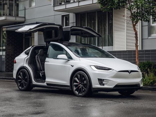 Tesla cuts the price of the Models S and Model X