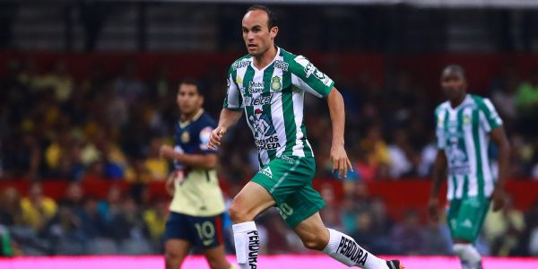 Landon Donovan's former teammates have criticized him for supporting Mexico in the World Cup