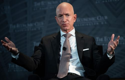Amazon just launched a major video game, but it looks to already be a major flop