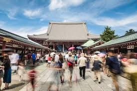Foreign visitors and tourism workers in Tokyo's Asakusa district face trouble regarding visitors