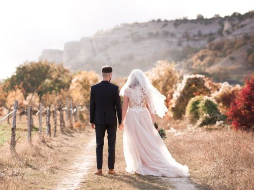 The best seasons to get married in, according to wedding planners