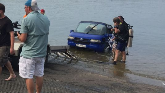 Watch This Heroic Rescue of a Sunken Amphibious Car