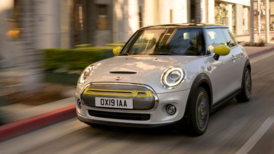 The 2020 Mini Cooper SE Goes Electric, but Is the Range Enough?
