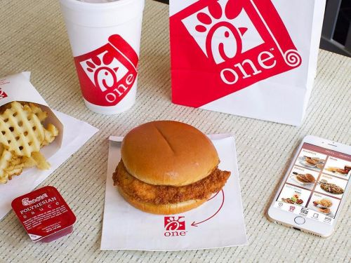 I tried Chick-fil-A for the first time - and I finally get why it has such a loyal following
