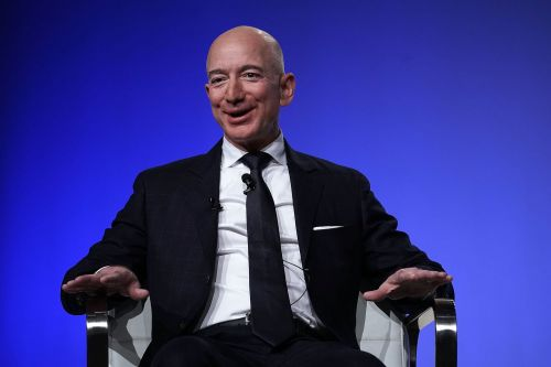 Amazon is about to look 'cheap': Analysts are doubling down on their bullish calls, even as the company's growth slows