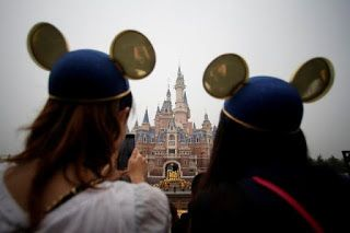 Shanghai Disney shuts to prevent spread of virus