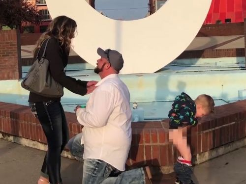 A woman's 3-year-old son peed as her boyfriend proposed to her, and it's the funniest thing you'll see all day
