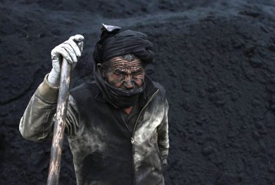 16 photos that show the dirty way the world gets an important energy source
