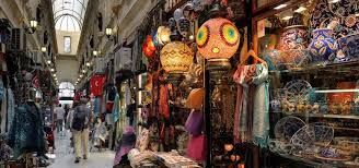 Shopping activities of global tourists in Turkey surge by 70% from Jan to July