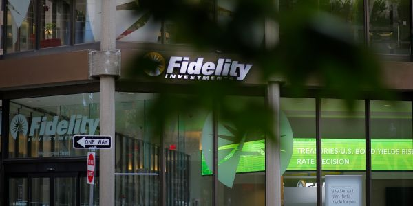 Fidelity and Charles Schwab say some users ran into technical issues in early trading as stocks tanked the most since August