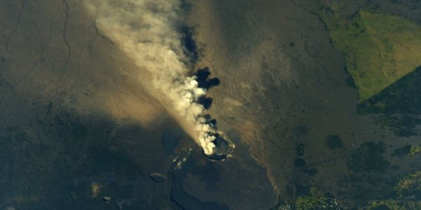 The Kilauea volcano eruption in Hawaii is visible from space - here are the dramatic photos
