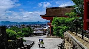 Japan likely to reopen for tourism in spring 2021