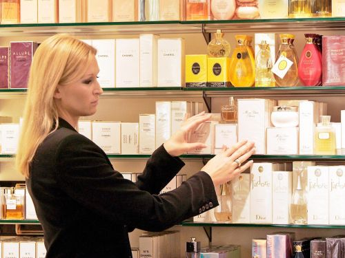 9 mistakes you're probably making with perfume