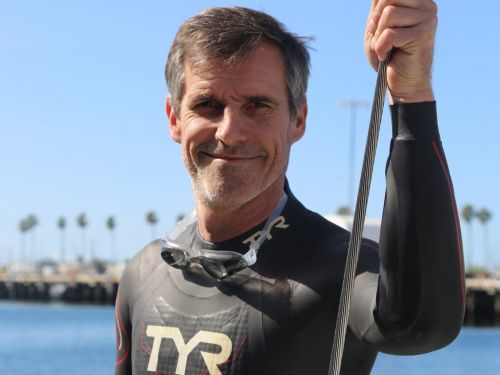 This guy plans to swim across the Pacific Ocean over the next 6 months