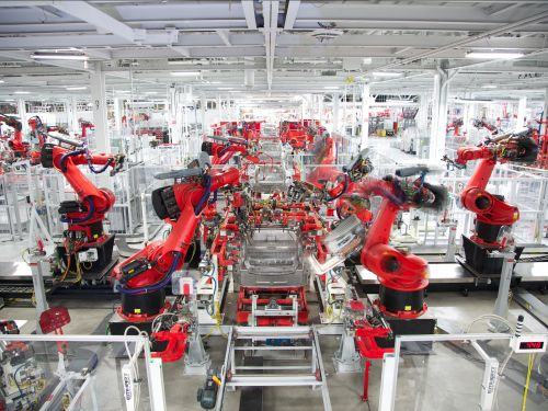 Tesla made 5,300 Model 3s during the last week of Q3 - but it said it would make 6,000 weekly by the end of August