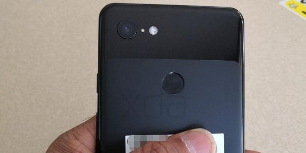 New photos reveal Google's upcoming Pixel 3 XL smartphone could get wireless charging - but there's still no headphone jack