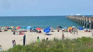 Holiday tourism expected to do better this year in Palm Beaches