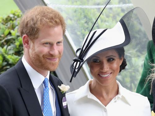 The subtle way Meghan Markle avoids upstaging Prince Harry, according to a body language expert