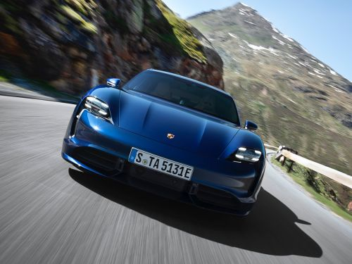 The Porsche Taycan Turbo's range is much lower than the Tesla Model S', according to the EPA