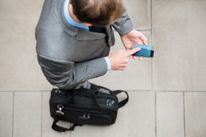 What should you do when your phone dies while traveling?