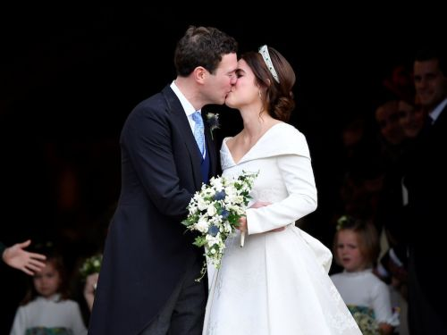 22 photos that show how Princess Eugenie's wedding compared to Meghan and Harry's