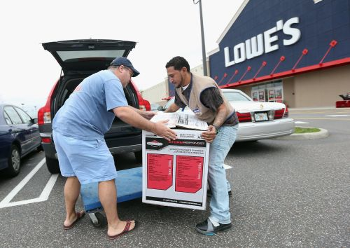 Lowe's is feeling the effects of the brick-and-mortar meltdown