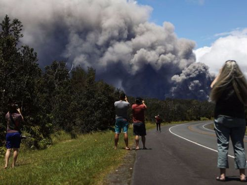 Here's everything you need to know about visiting Hawaii during these volcanic eruptions