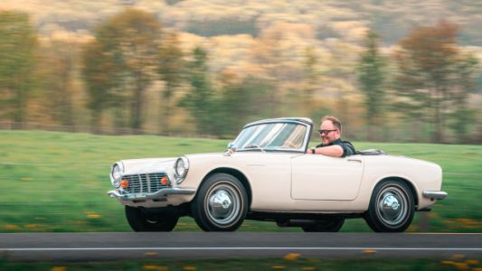 The Honda S600 Drives Like It's Where All The Fun Comes From