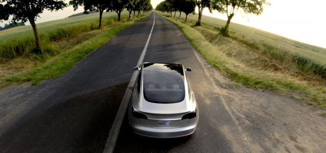 9 reasons you should buy Tesla's new Model 3 'Performance' car instead of the standard Model 3