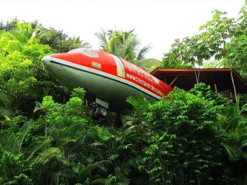 For $260 a night, you can stay in this Boeing 727 airplane-turned-hotel suite perched 50 feet high in Costa Rica - take a look inside