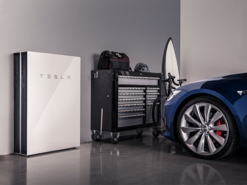 Tesla will stop selling its solar panels and battery packs at Home Depot