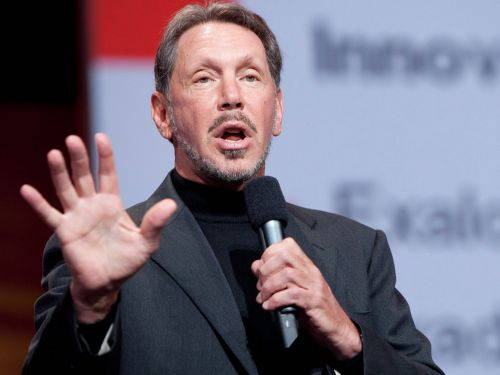Oracle reported a modest uptick quarterly revenue but the stock is tumbling
