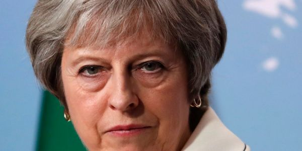 Economists rubbish Theresa May's claim that boosted NHS spending will be funded by a 'Brexit dividend'