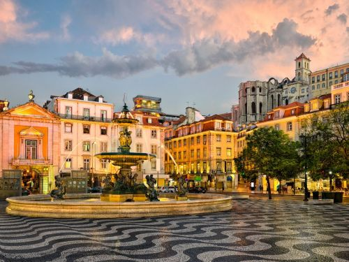 Cheap flights to Lisbon from all over the US are available for under $500 right now