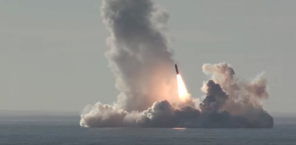 Russia displays massive nuclear force with a sub launching 4 missiles with the power of 160 Hiroshimas