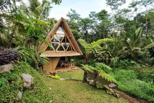Stay in this Hidden Bamboo-Clad Retreat for a Taste of Real