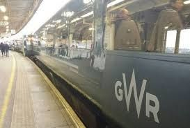 No pain no gain - GWR issues Christmas travel warning