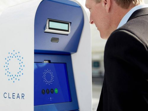 The newest way to beat lines at the airport involves quickly scanning your eyes or fingerprints - here's how CLEAR works