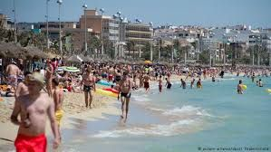 Mallorca residents seeking ways to regulate over-tourism