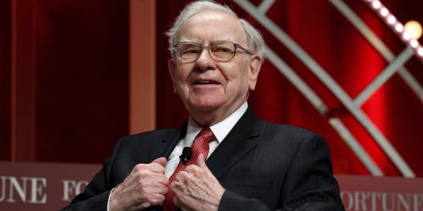 Warren Buffett is now the longest-tenured CEO in the S&P 500 following Les Wexner's exit from L Brands